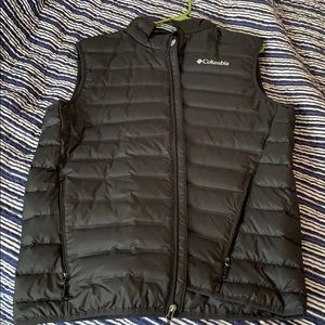 Men's Columbia down vest size large